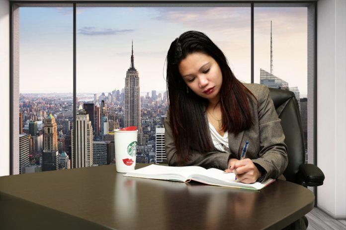 Auslandserfahrung im Lebenslauf angeben: Muster, Fehler & Tipps