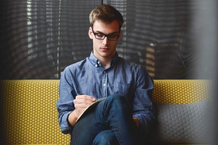 Kleinunternehmer: Voraussetzungen, Vorteile, Risiken & Tipps